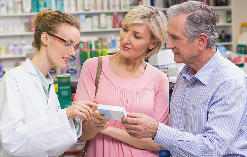 picture-of-psa-pharmacy-pharmacist-assisting-elderly-couple-in-swannanoa-north-carolina